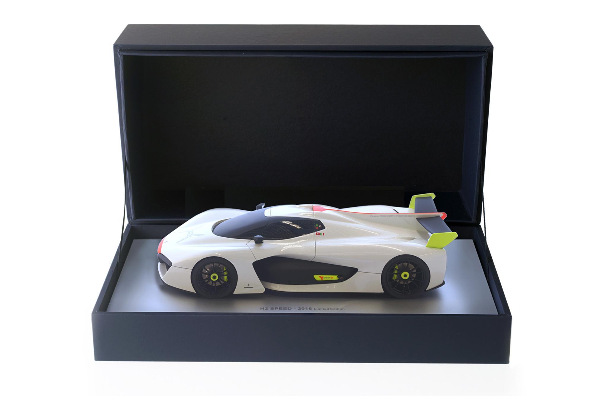 Modellini Bianco Pininfarina Store