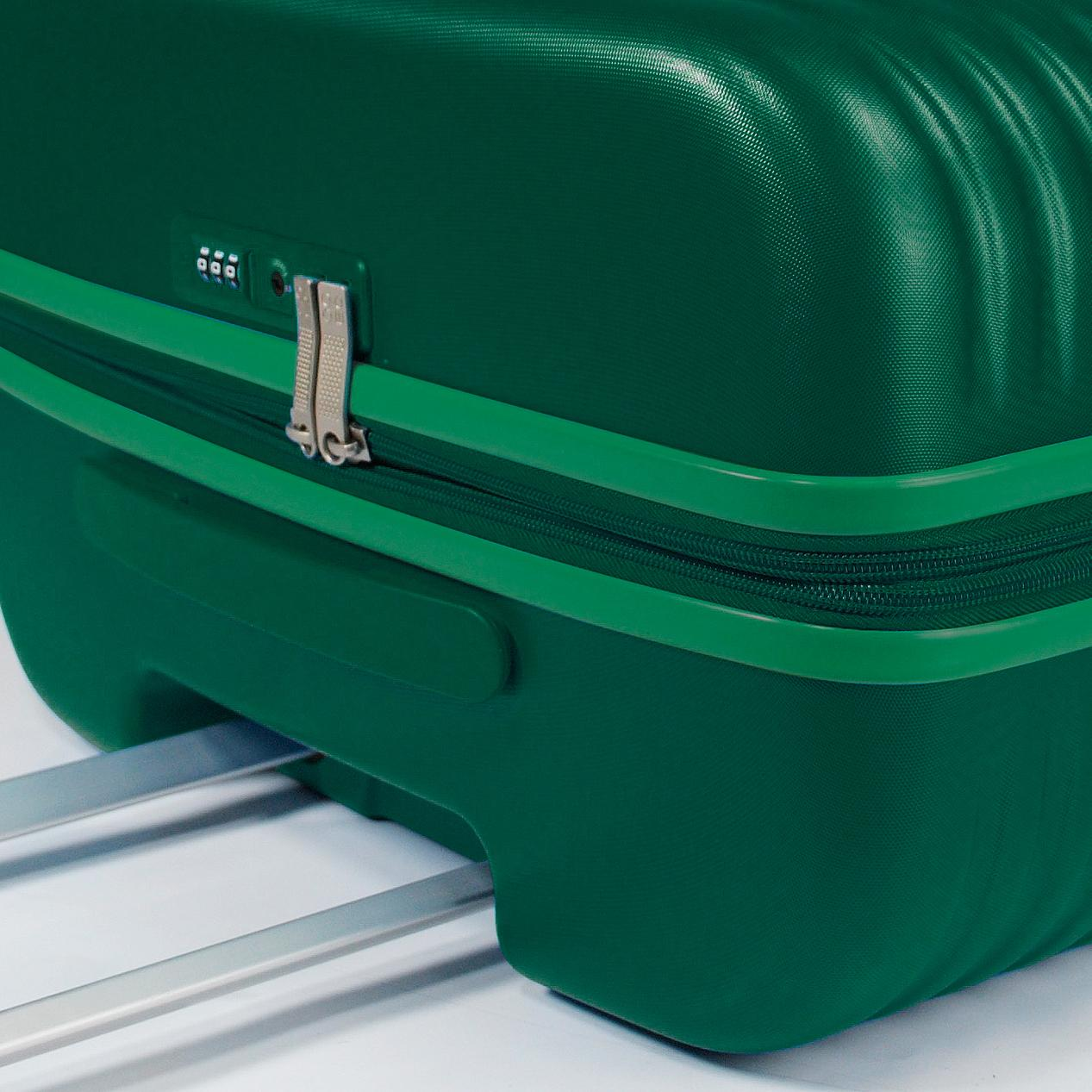 Large Luggage  FOREST GREEN Modo by Roncato