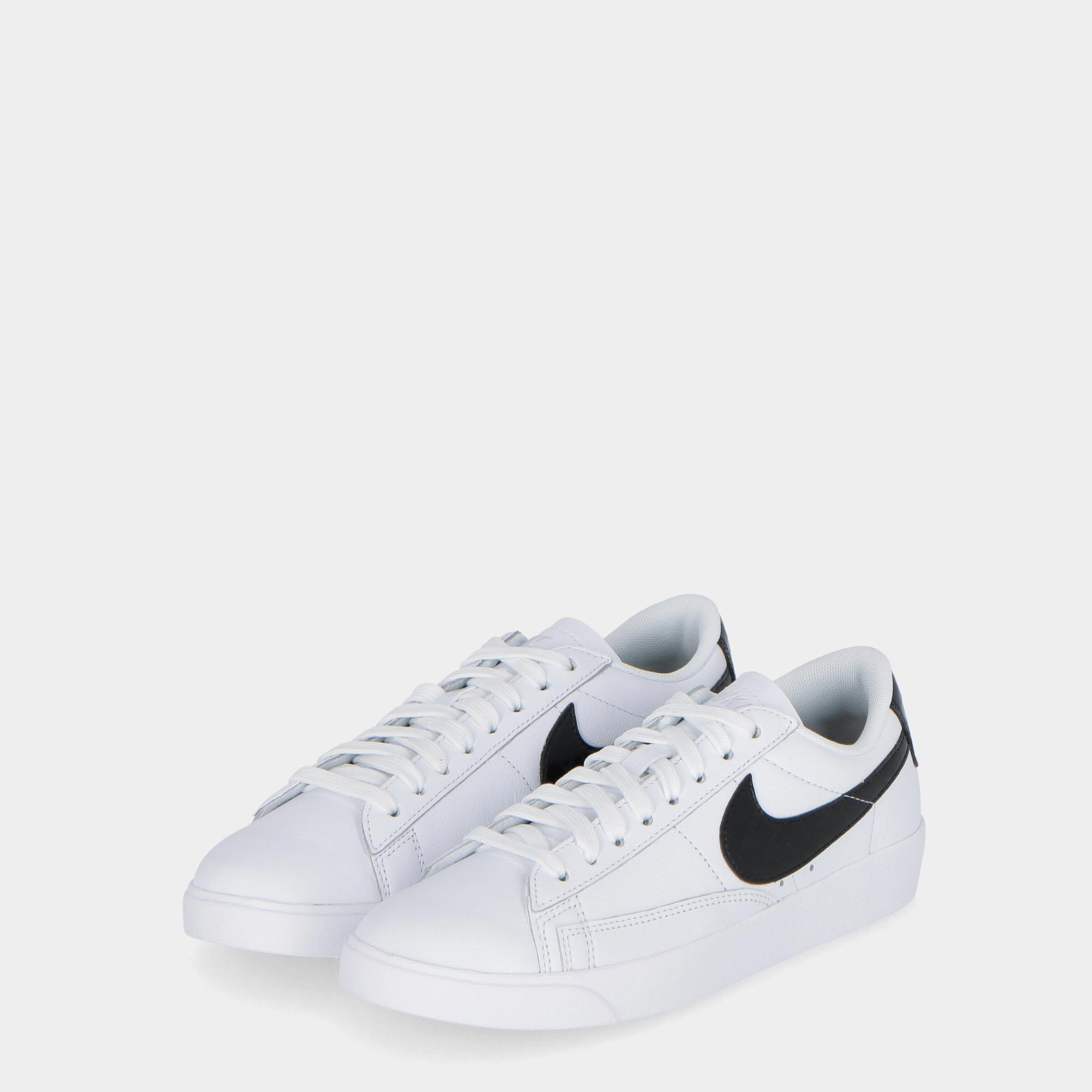 pretty nice f266e dcb7c NIKE BLAZER LOW ESSENTIAL