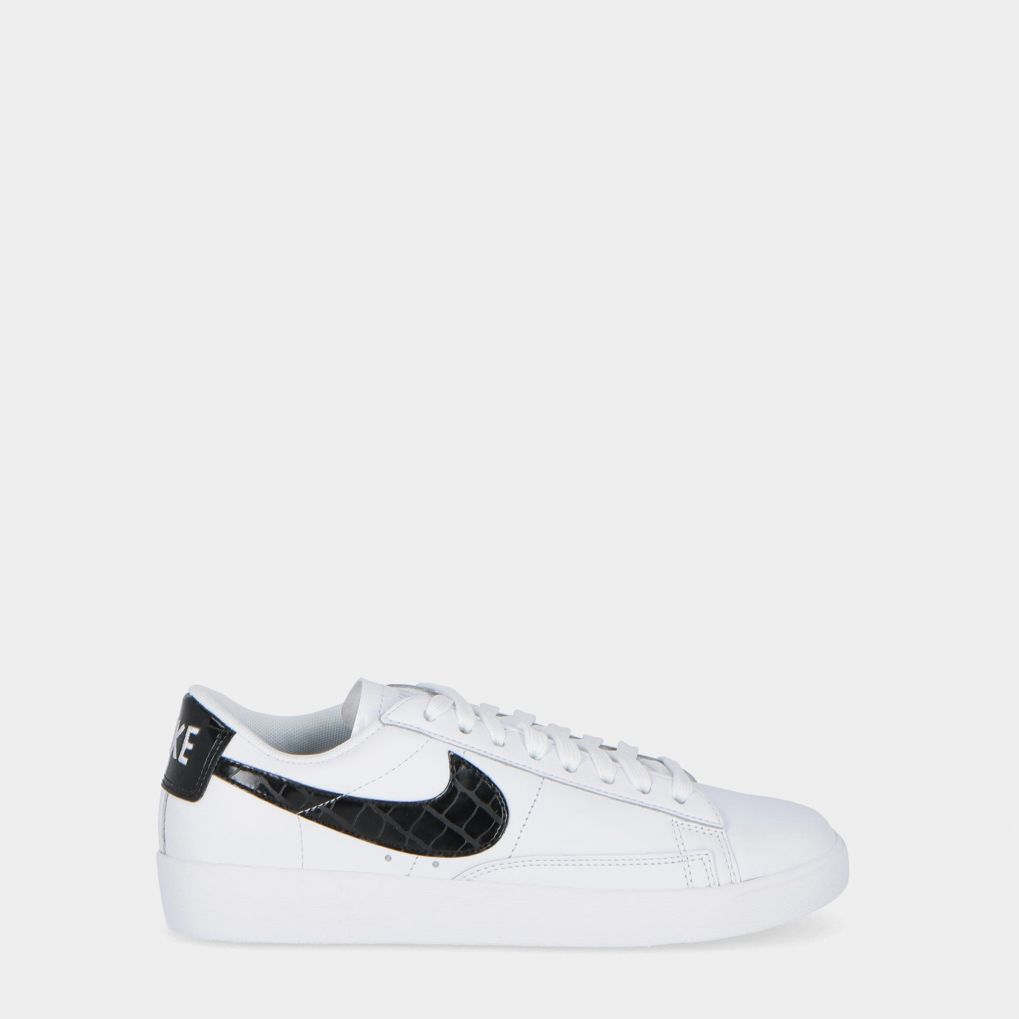 pretty nice 52b75 af351 NIKE BLAZER LOW ESSENTIAL