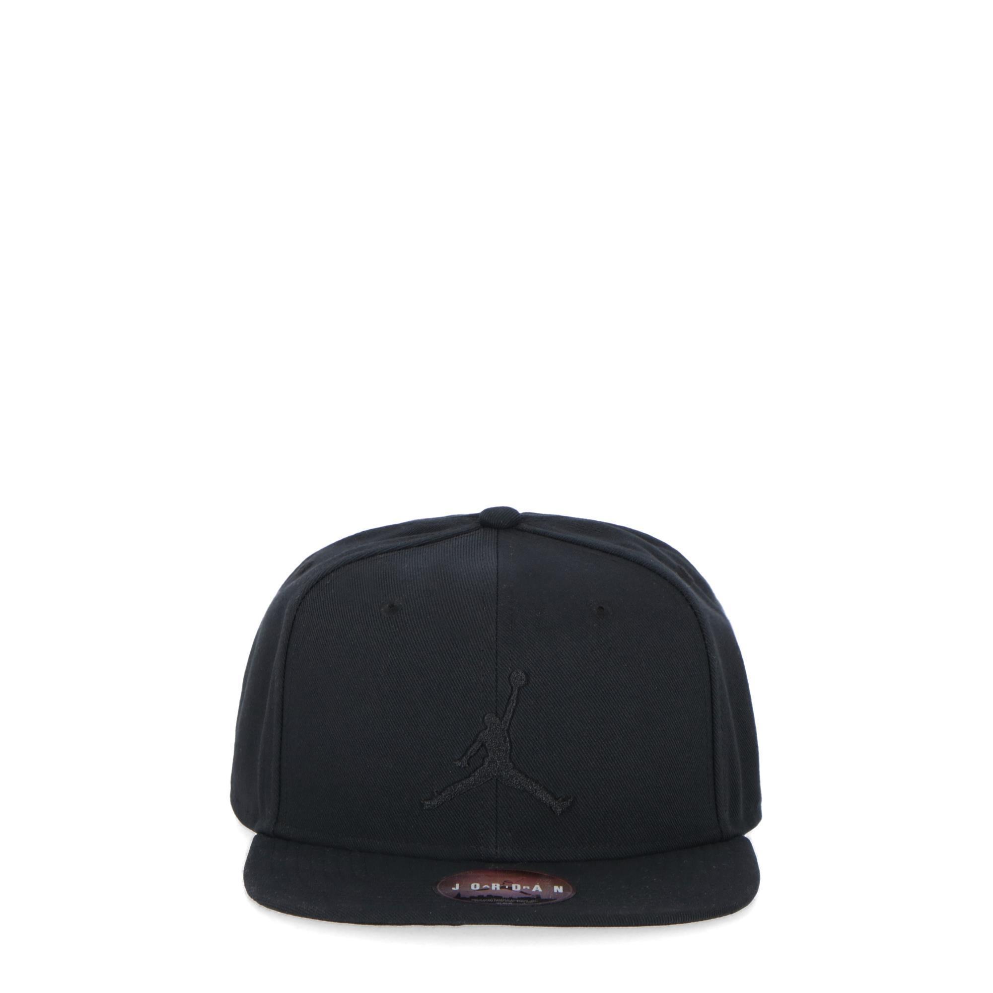 ea688618bbab Jordan Pro Jumpman Snapback Black Black