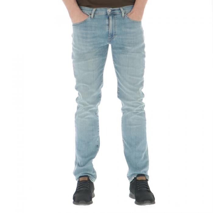 levi's jeans sun fade