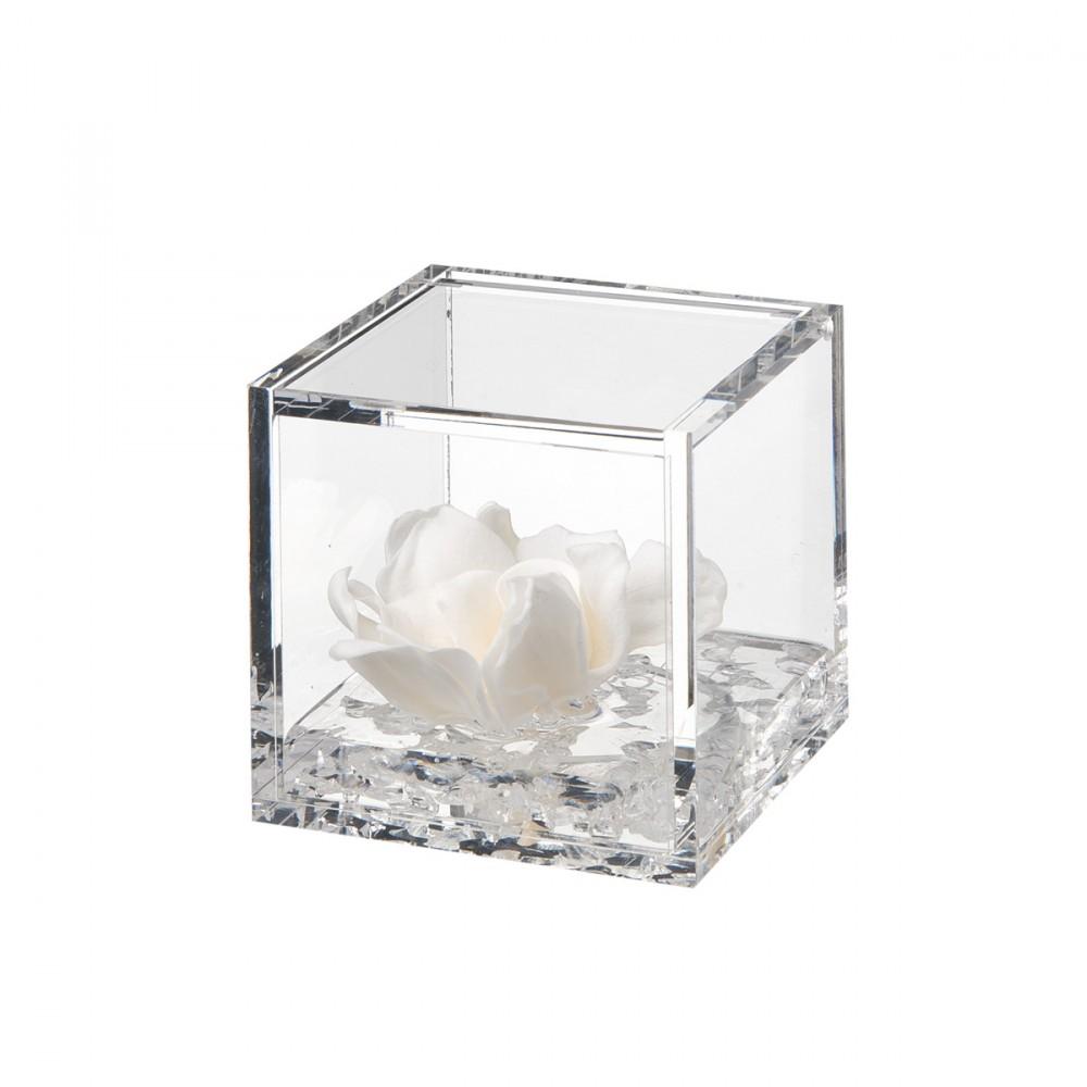 Flowercube è Una Fantastica Idea Regalo. Il Cubo In Plexiglass Effetto Vetro, Apribile, Contiene Una Gardenia Stabilizzata Di Alta Qualità, Profumata, Su Un Gel Effetto Acqua.