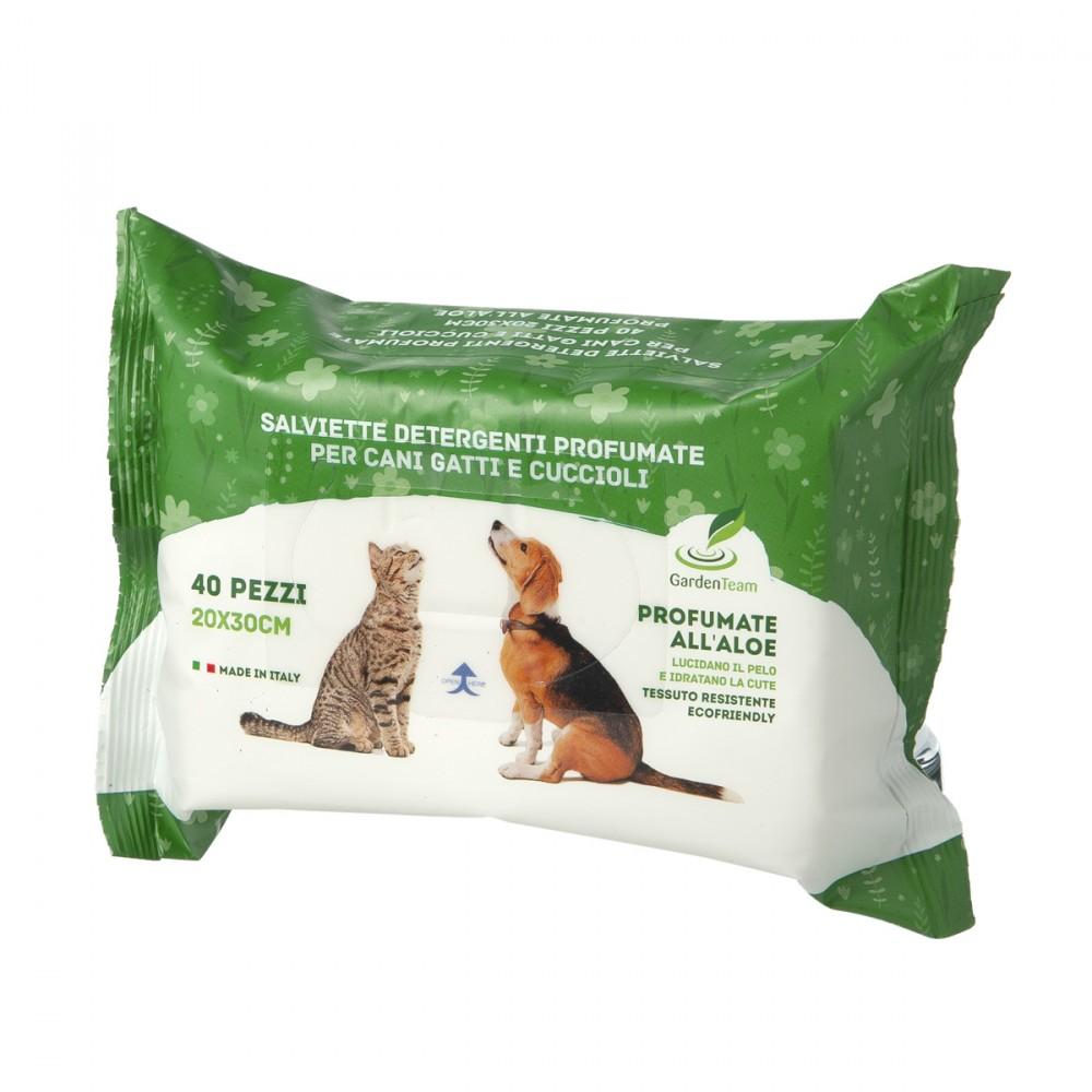 Salviettine All'aloe, Specifiche Per Cani E Gatti, Che Con Periodico Passaggio Aiutano A Conservare Il Pelo Pulito E Lucido.