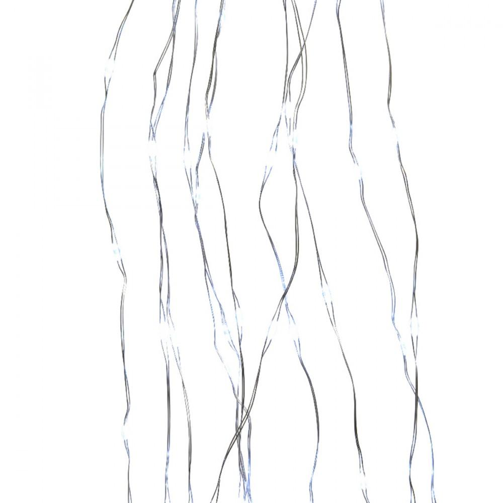 Luci Per Albero Formate Da 835 Micro Led Color Bianco Freddo. Le Diverse Catene (ognuna Da 52 Led) Sono In Color Argento E Permettono L'illuminazione Di Un Albero Alto Fino A 240 Cm. Alimentate Con Presa A Muro.
